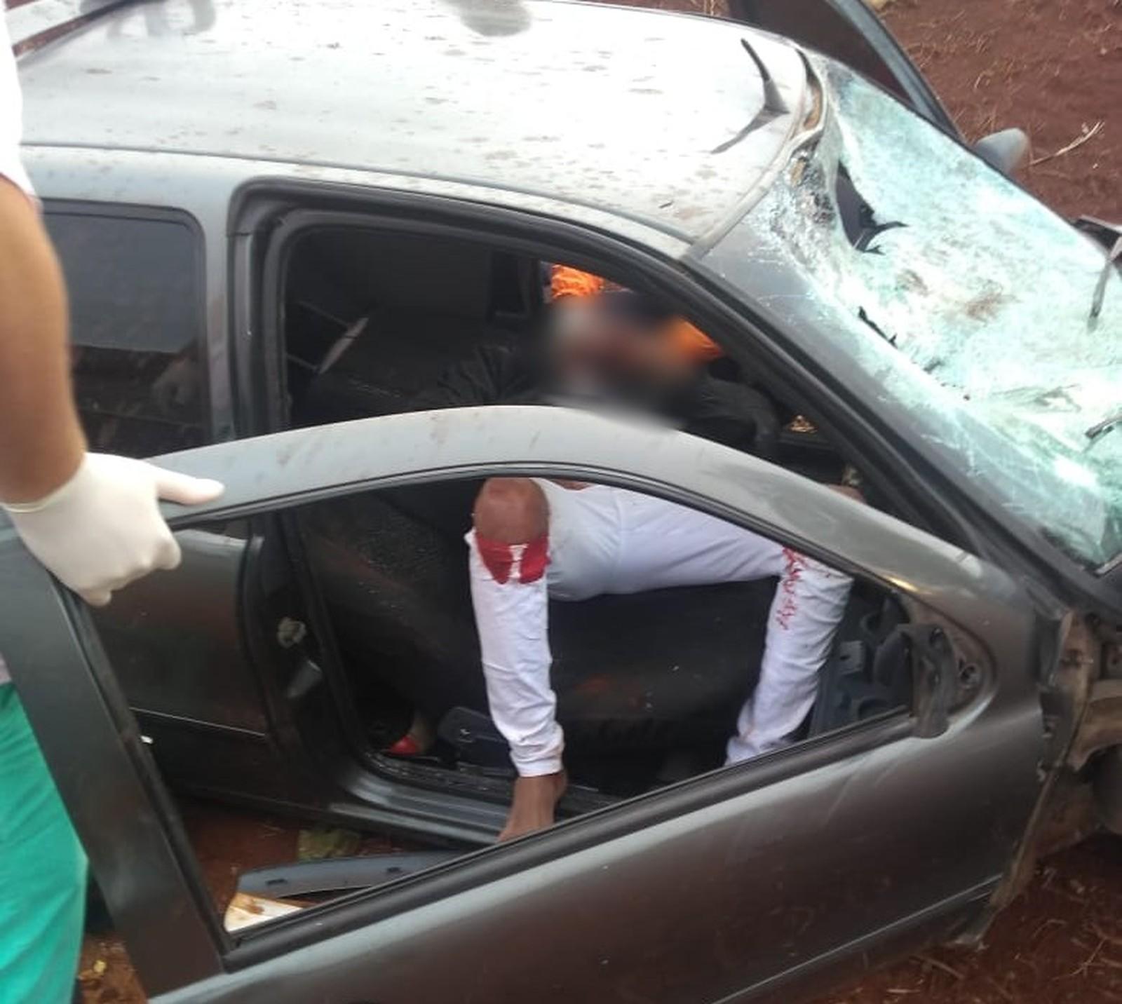 Motorista foi socorrido com ferimentos em Santa Cruz do Rio Pardo — Foto: Arquivo pessoal