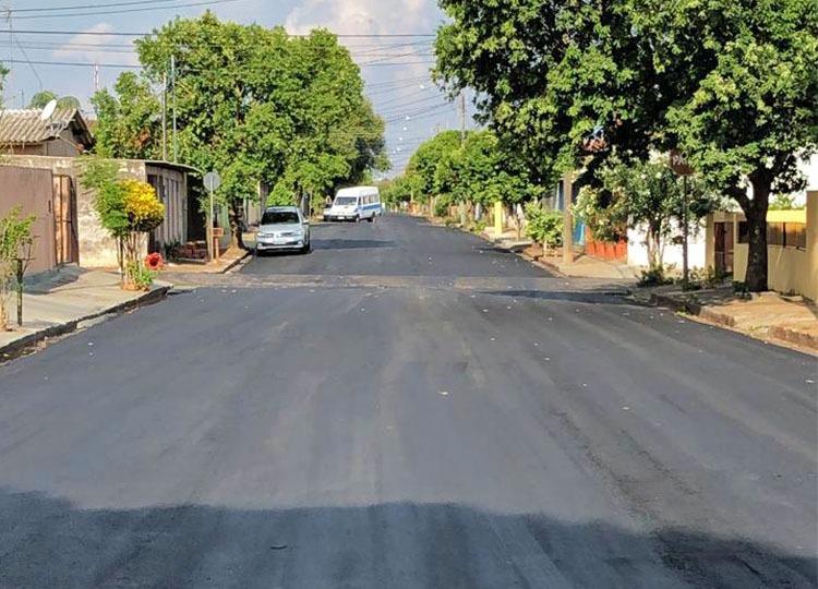 Rua Euclides da Cunha recebe 500 toneladas de massa asfáltica — Foto: Divulgação/Prefeitura Municipal de Assis