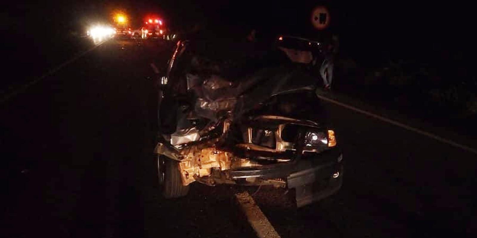 Carro bateu de frente com o motociclista na rodovia entre Assis e Paraguaçu Paulista — Foto: Corpo de Bombeiros/ Divulgação'