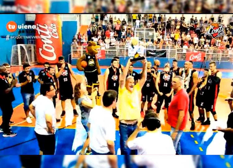 Com Gema lotado, Conti Assis Basket vence Santos e é campeão Paulista — Foto: Reprodução/TV Viena