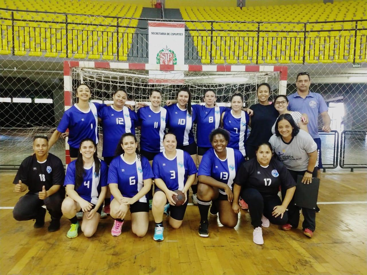 Equipe de Handebol feminino de Assis estréia nos abertos com vitória — Foto: Divulgação