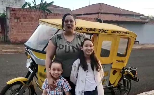 Moradora faz viagens com os filhos em Dois Córregos — Foto: Lariene e Patrícia da Rocha Silva/Arquivo pessoal