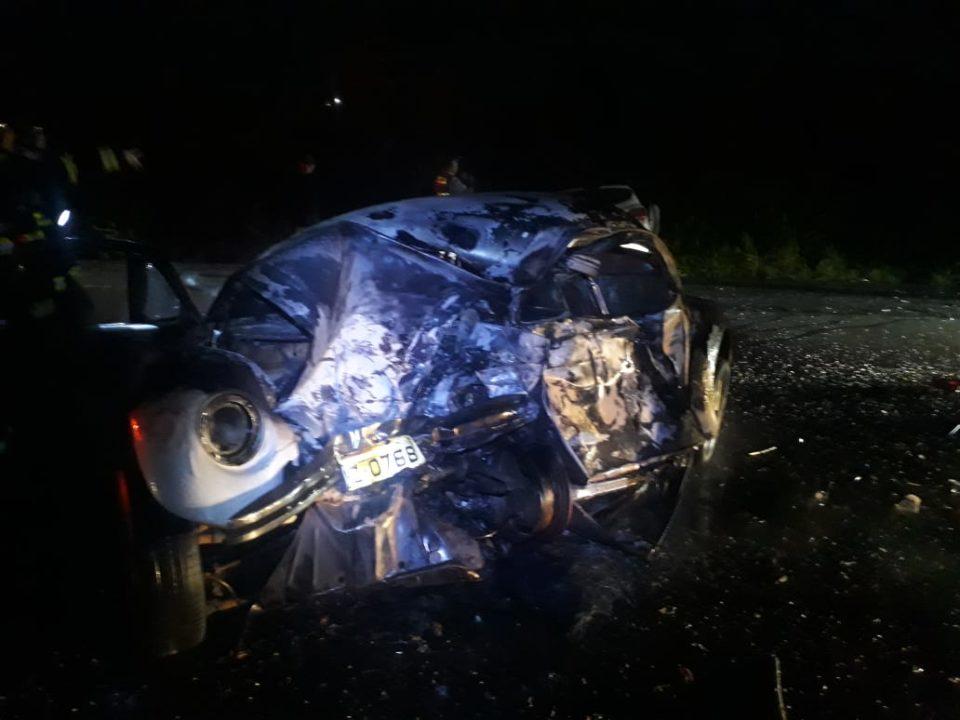 Casal morreu carbonizado após acidente (Foto: Diego Pereira/Portal Mais Tupã)