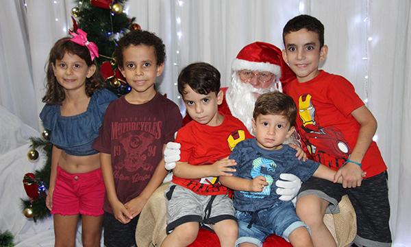 Cruzália realiza 'festa natalina' com homenagens, show e entrega de prêmios