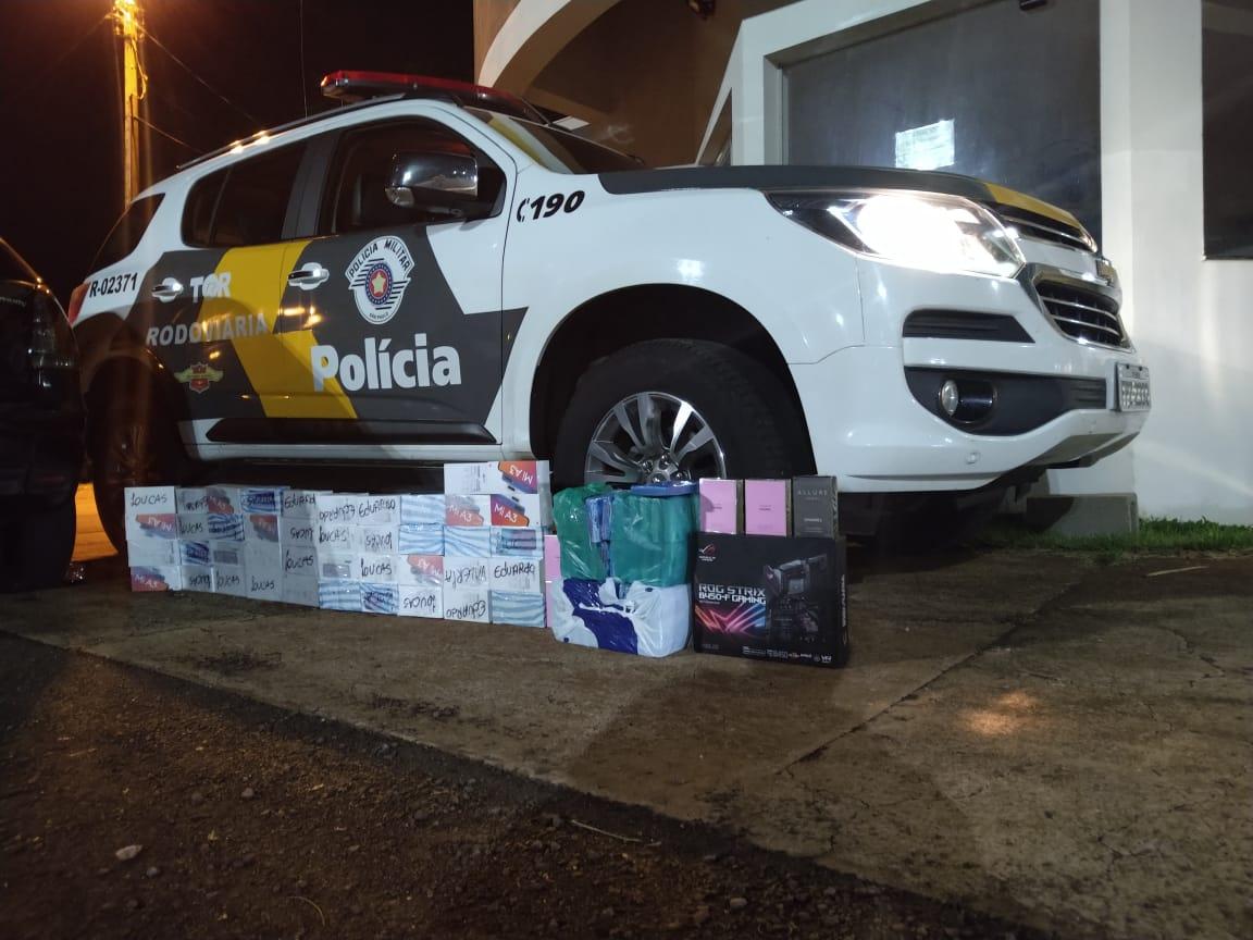 Produtos contrabandeados são apreendidos na 'Miguel Jubran' — Foto: Divulgação/Polícia Militar Rodoviária