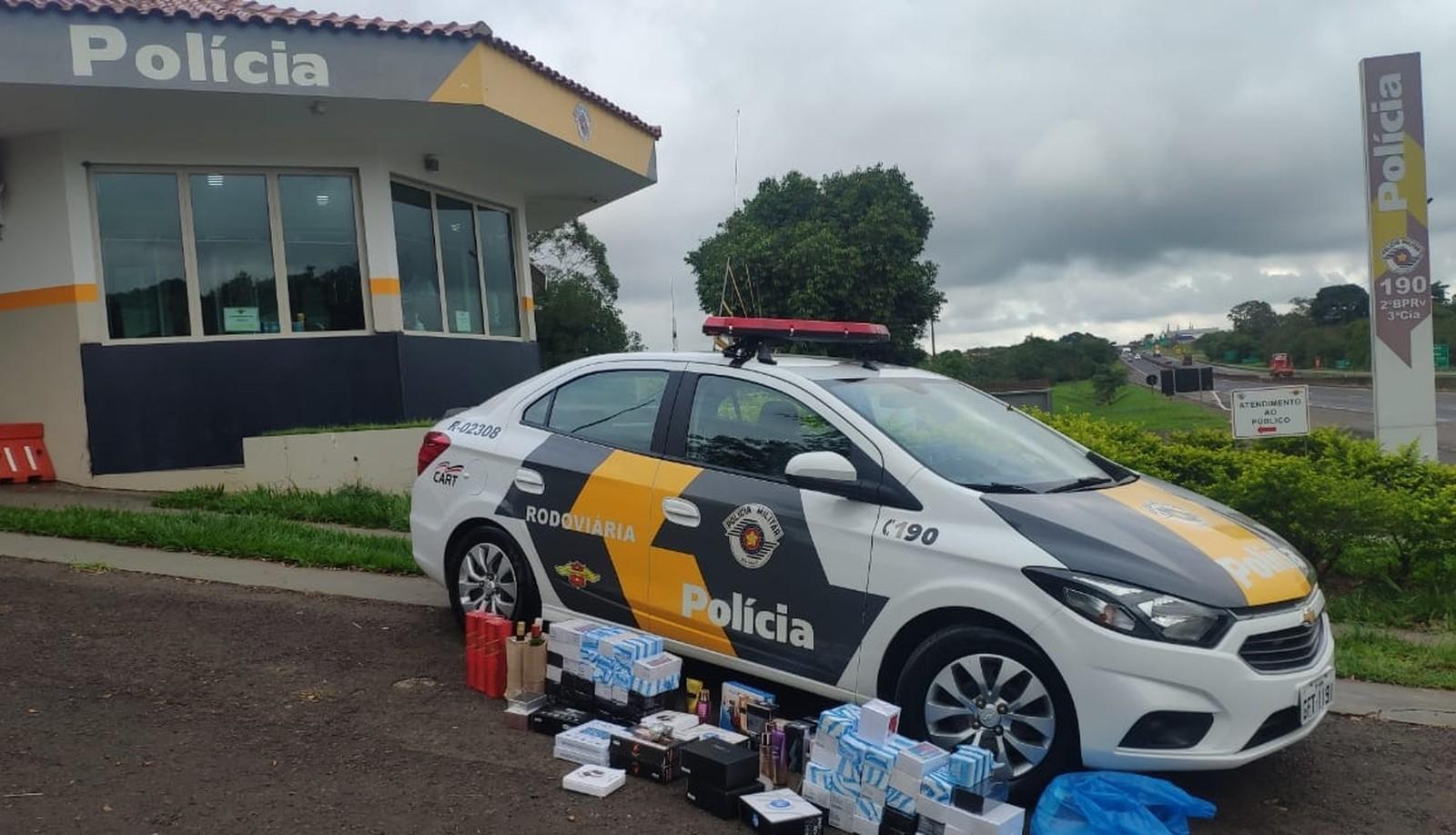 Polícia Rodoviária apreende eletrônicos e perfumes contrabandeados na Raposo Tavares — Foto: Polícia Rodoviária/Divulgação