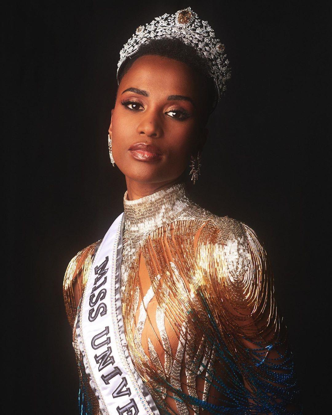 Zozibini Tunzi vence o concurso Miss Universo 2019 (Foto: Reprodução/Instagram)