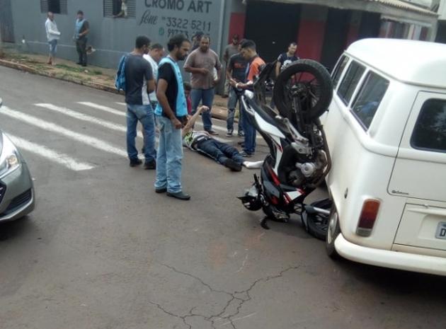 Motociclista fica ferido após se envolver em acidente de trânsito