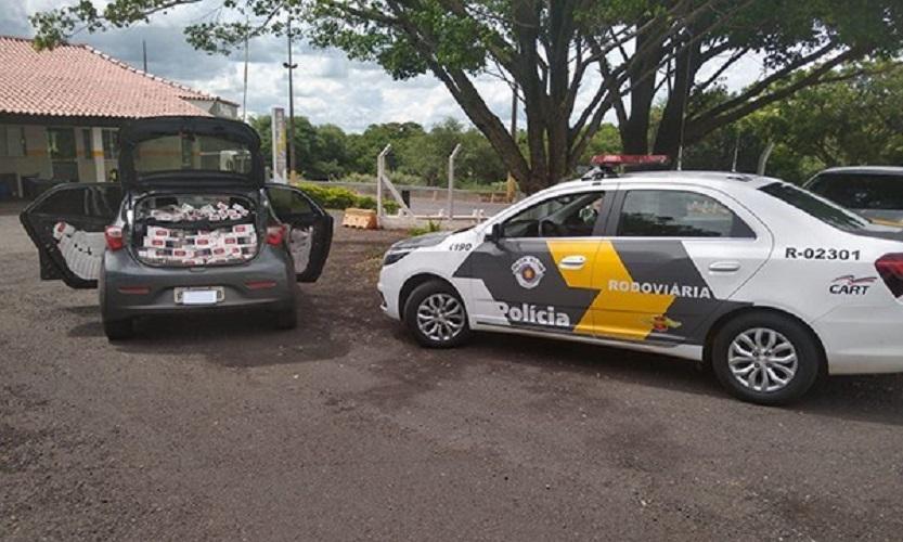 Homem é detido em Assis com cigarros contrabandeados — Foto: Polícia Rodoviária/Divulgação