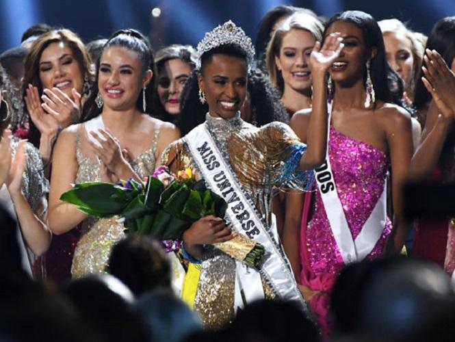 Zozibini Tunzi vence o concurso Miss Universo 2019 (Foto: Getty Images)