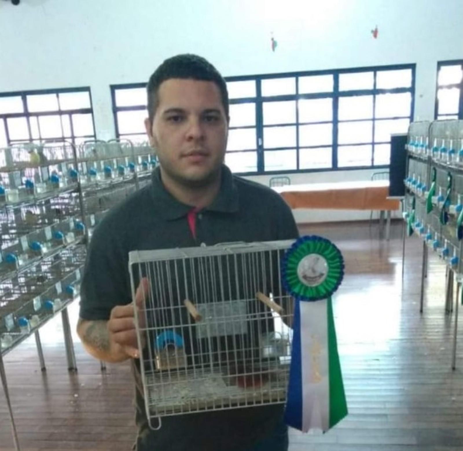 Colecionador desaparece ao sair para comprar canário em Marília — Foto: Arquivo Pessoal/Franciele Ferreira