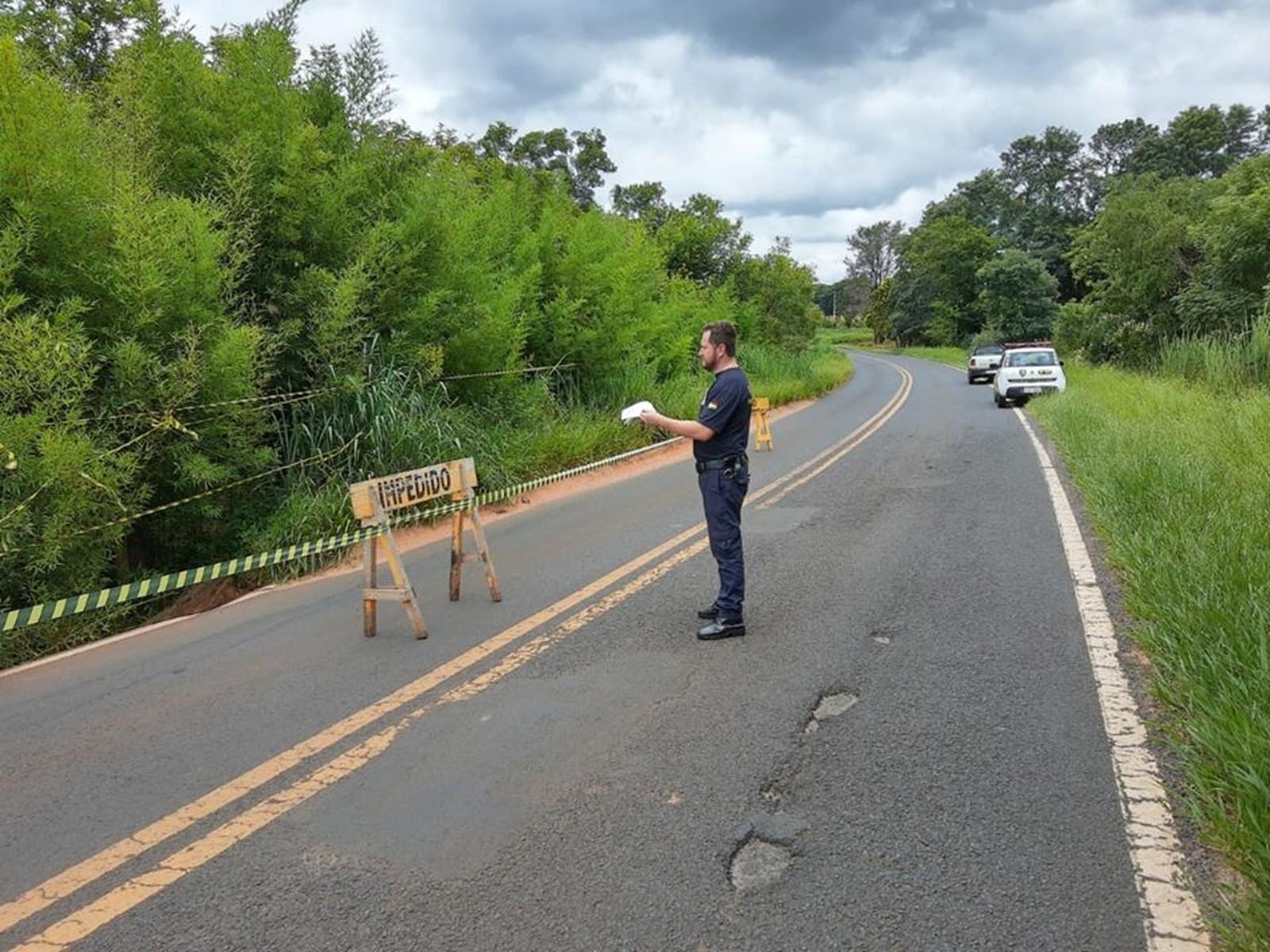 Prefeitura informou que já entrou em contato com o DER, que é o responsável pela recuperação da pista — Foto: Prefeitura de Paraguaçu Paulista/Divulgação