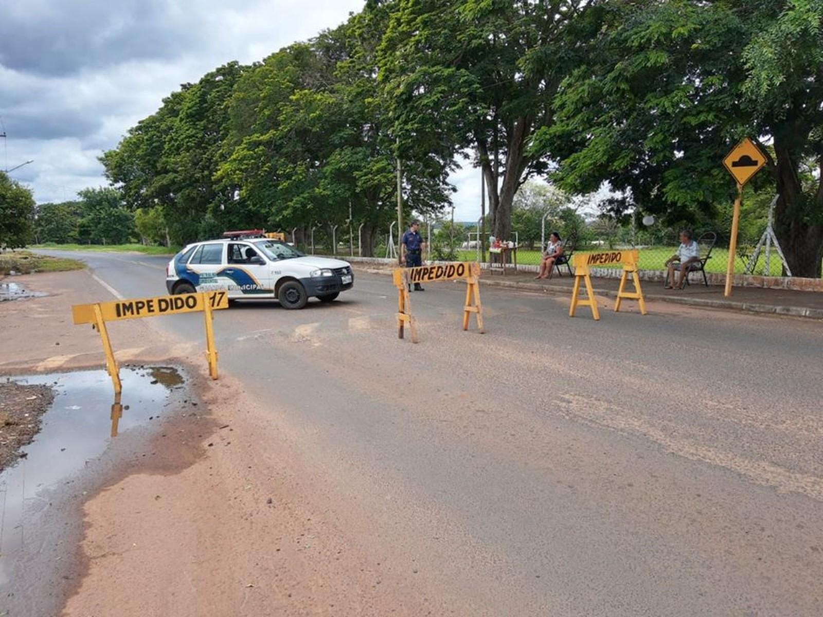 Estrada de acesso ao Horto Florestal é interditada por causa de erosão em Paraguaçu Paulista — Foto: Prefeitura de Paraguaçu Paulista/Divulgação