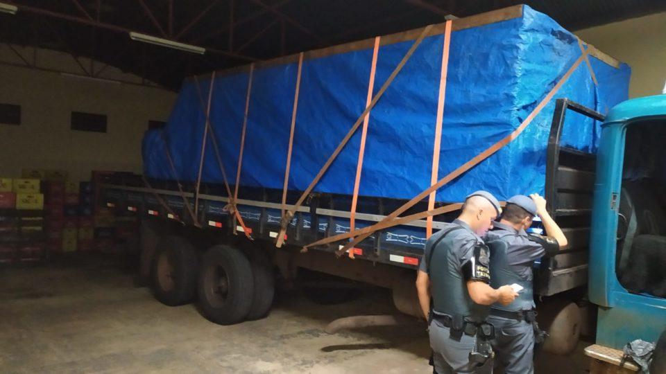 Caminhão foi apreendido — Foto: Divulgação