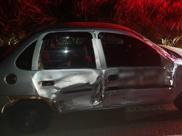 Perícia suspeita que vítima estava dirigindo na contramão e atingiu a lateral do veículo — Foto: Polícia Rodoviária Federal/Divulgação