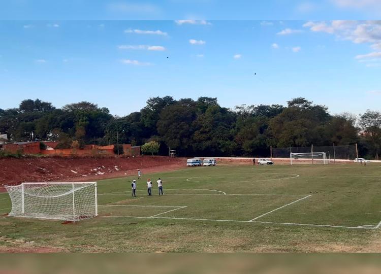 Prefeitura revitaliza campo de futebol do Jardim Eldorado — Foto: Prefeitura de Assis / Divulgação