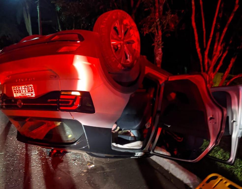 Acidente aconteceu por volta das 21h em um residencial na Rua Santa Helena, zona oeste de Marília — Foto: Marília Notícia/Divulgação