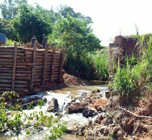 Prefeitura inicia obras de reconstrução da Ponte que liga os bairros rurais Agua da Fortuna e Lagarto Verde — Foto: Divulgação | Prefeitura Municipal de Assis